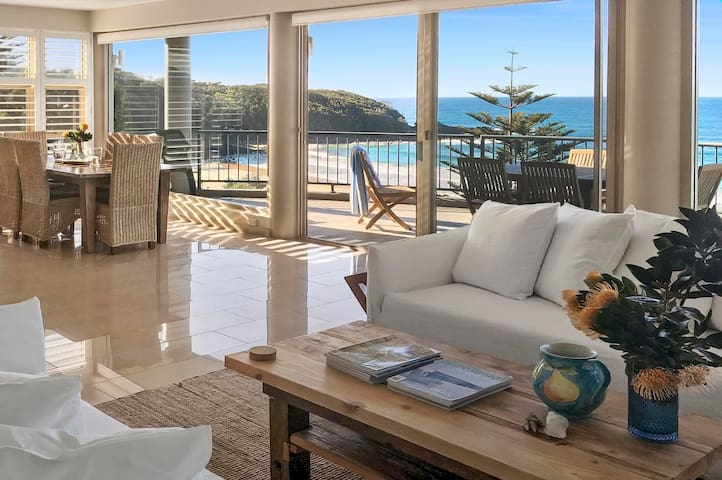 140 Mitchell at Mollymook - Luxury Beach House - Mollymook Beach - Casa