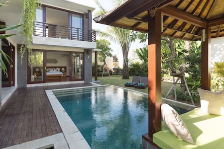 Bali Rice Paddy Luxury Villa w/Pool - นอร์ธคูตา