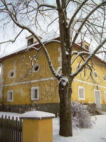 Ferienwohnung Ottmanach Schlosshof - Magdalensberg - Apartament