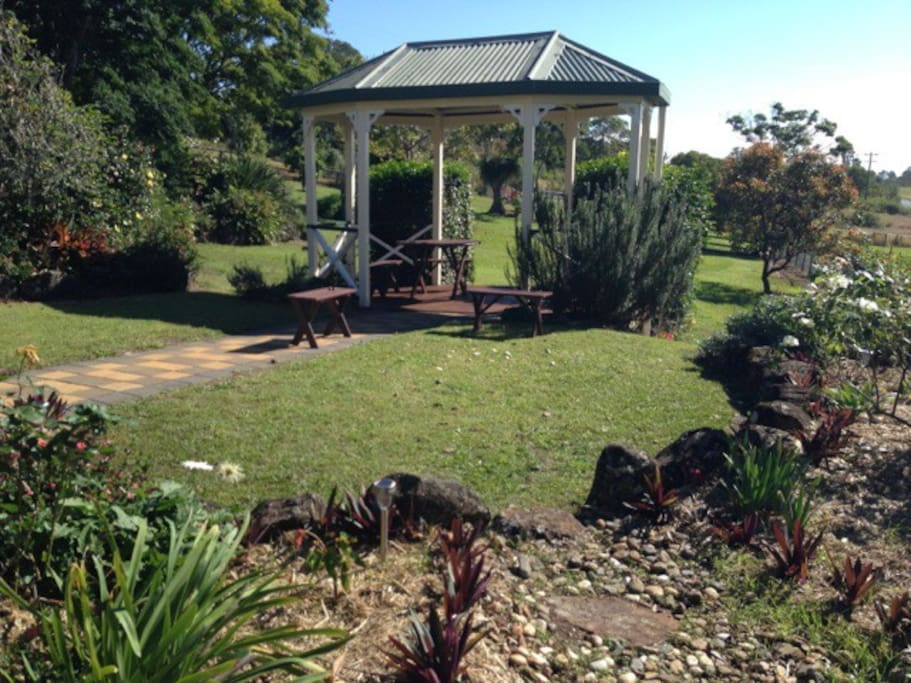 The gazebo is the perfect place for early morning breakfast, morning tea, afternoon coffee or drinks... Perfect nearly anytime!