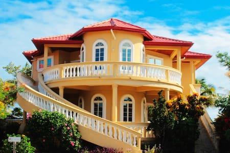 Beach front luxury home, sleep up to 12