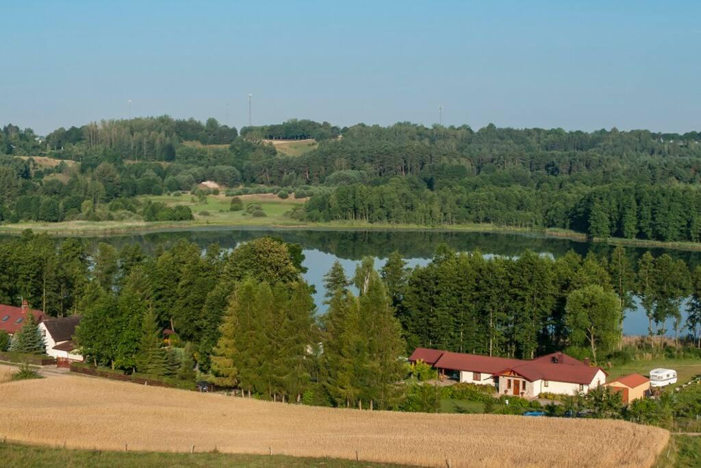 Przyjedziesz do tego pięknego miejsca , gdzie jest cisza, zdrowe powietrze, śpiew ptaków i spokojne jezioro