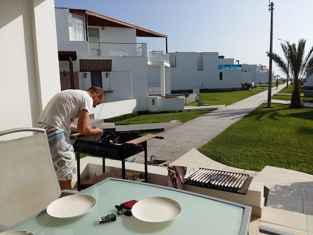Casa de playa en Condominio Moravia - Asia - House
