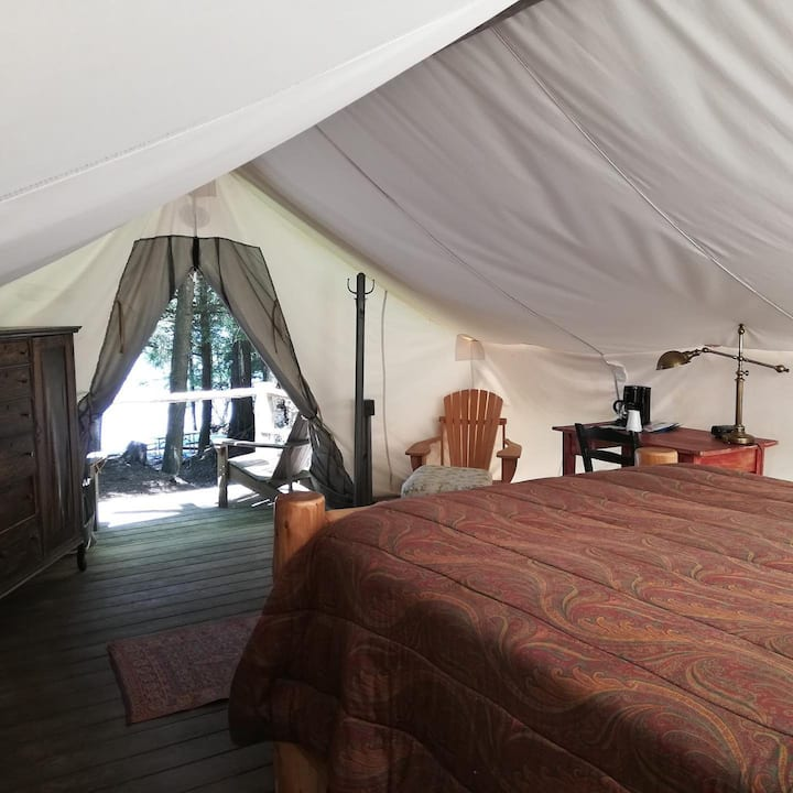 ADK Glamping Tent with private bathhouse