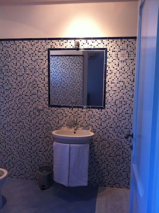 Il bagno azzurro #1