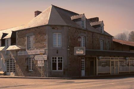 chambre 3 - Saint-Georges-de-Gréhaigne