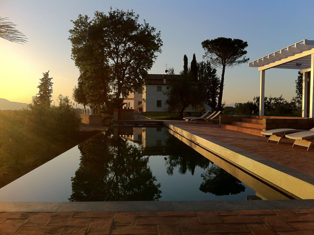 The swimming pool with a great view to the tuscan hill