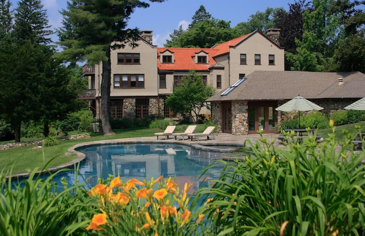 Luxury Getaway in Litchfield Hills  - Colebrook - วิลล่า
