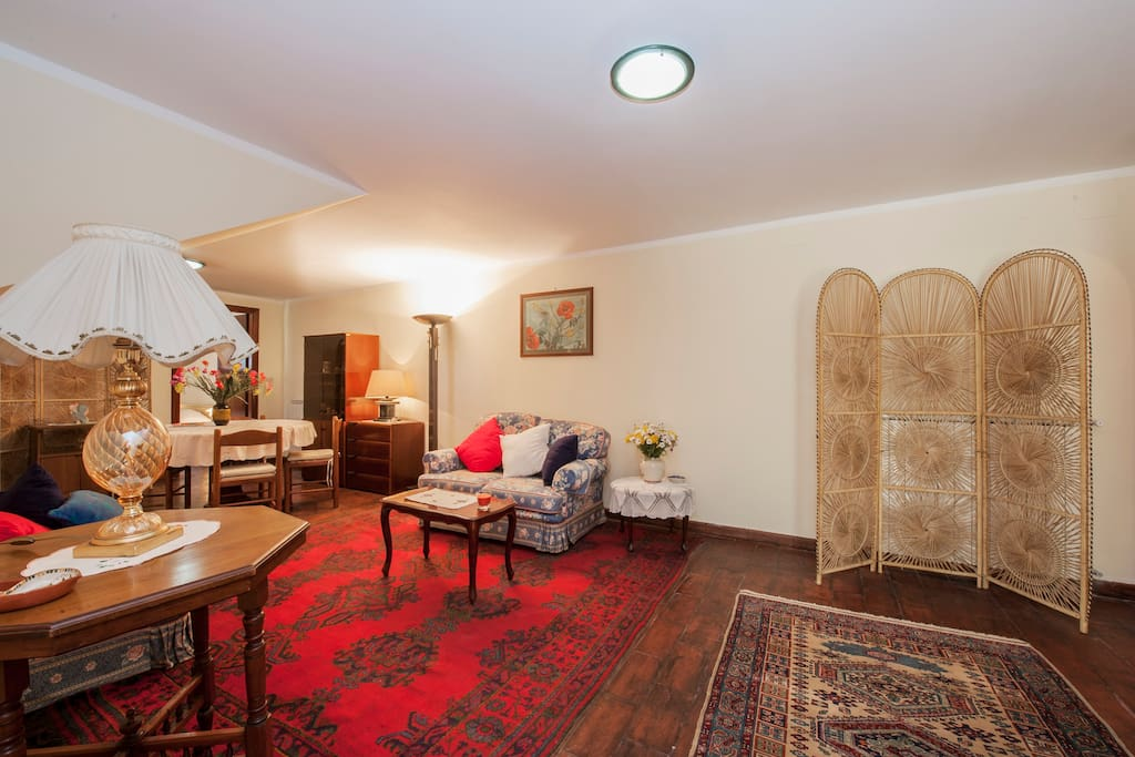 sch ne wohnung in der n he von rom wohnungen zur miete in rom latium italien. Black Bedroom Furniture Sets. Home Design Ideas
