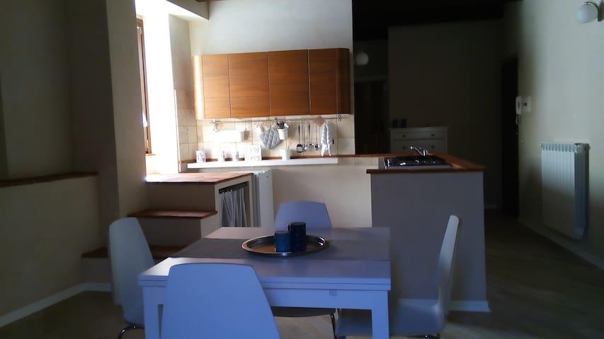 """Appartamento """"Platea"""" - Amelia - Huoneisto"""