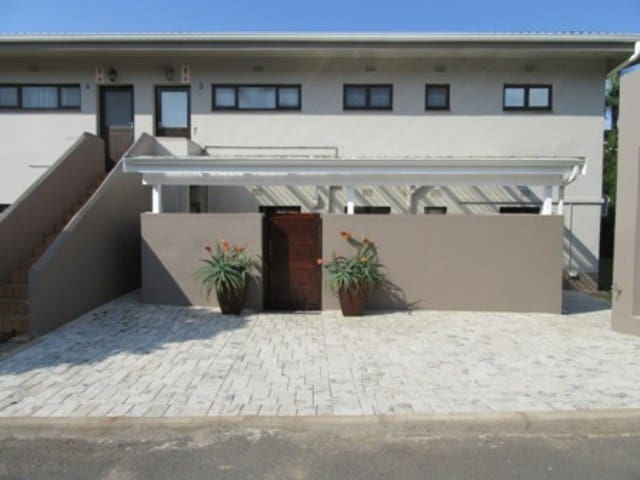 Tweni Beach House