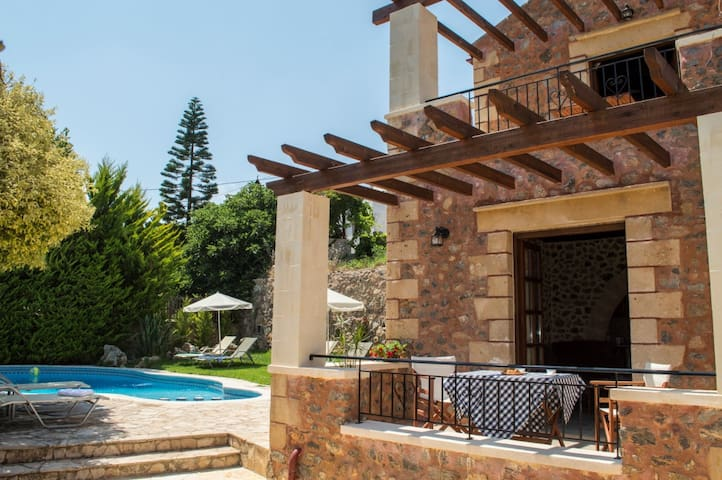 Stone villa shared pool&seaview,1bedrooms,wifi,bbq
