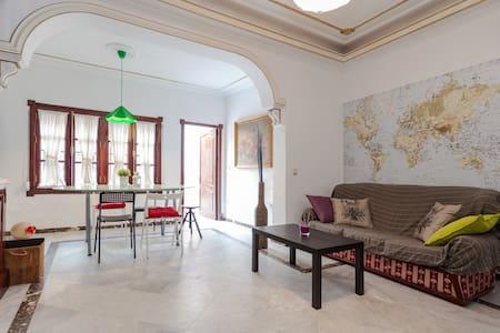 Casa Flor de Azahar ... Room 2 - Seville