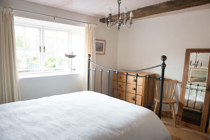 Character room  in Frome, near Bath - Frome - Casa