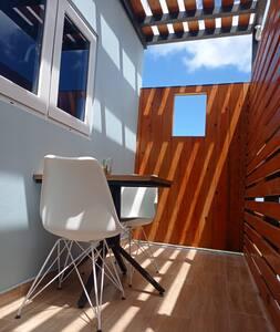 New Cozy & Modern Apartment!
