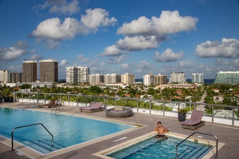 Water views | Rooftop pool | Master 1 bed 2 bath