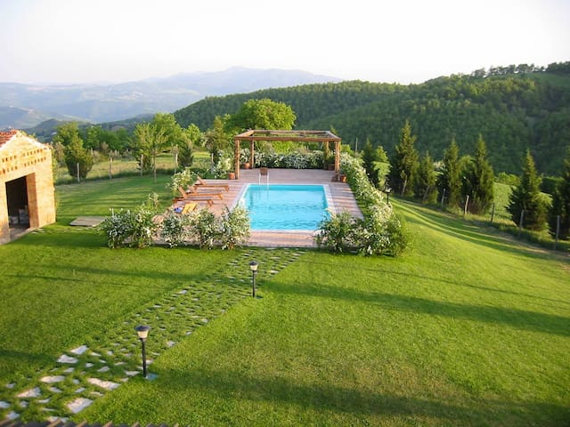 Secluded Villa Spectacular Views  - Monte Castello di Vibio PG