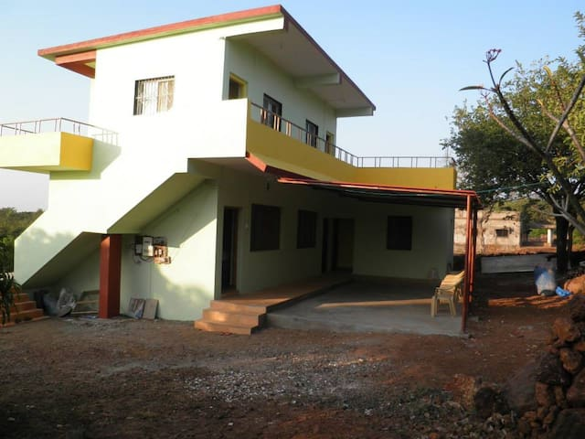 Aamrai Resort - Vaze Farms - Bilwas - Bed & Breakfast