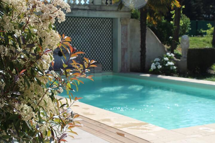 Studio 50m2 charme piscine privée Paris Versailles