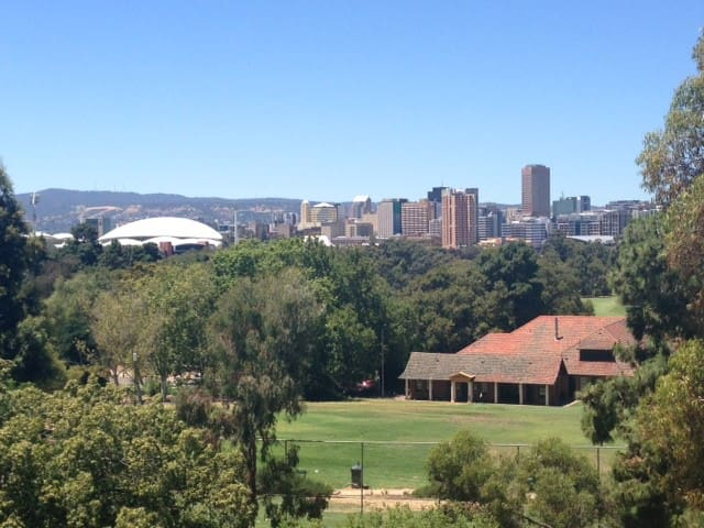 Amazing views of Adelaide City - North Adelaide - Lägenhet