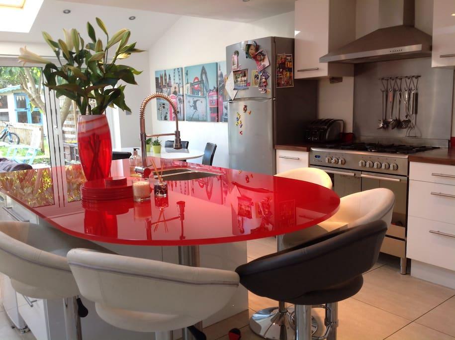 Kitchen/diner/TV snug area