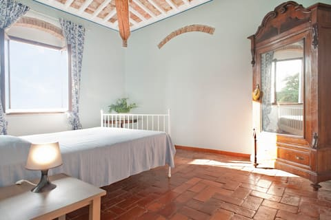 BellaValle 4: quiet, beach 2km Tuscany all around!