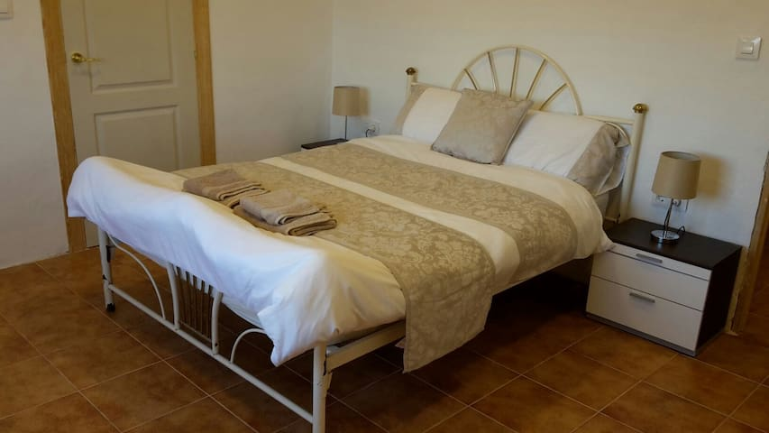 Tranquil retreat at Casa James, Double Rm Ensuite2 - Sax - Wikt i opierunek