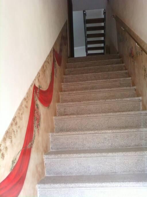 scala d'accesso alla casa