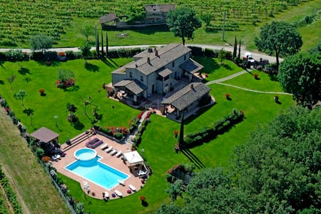 Luxury Villa with Typical Tuscan Dinner - Castiglion Fiorentino - Vila