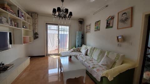 幸福之家~航天花园军工品质,温馨方便的2室1厅,3个空调,全屋地暖,南北通透,窗户后面正
