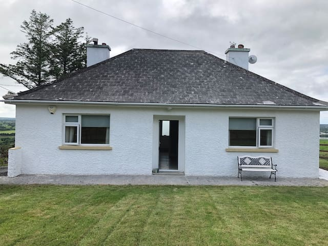 Tranquil, rural cottage in Listowel