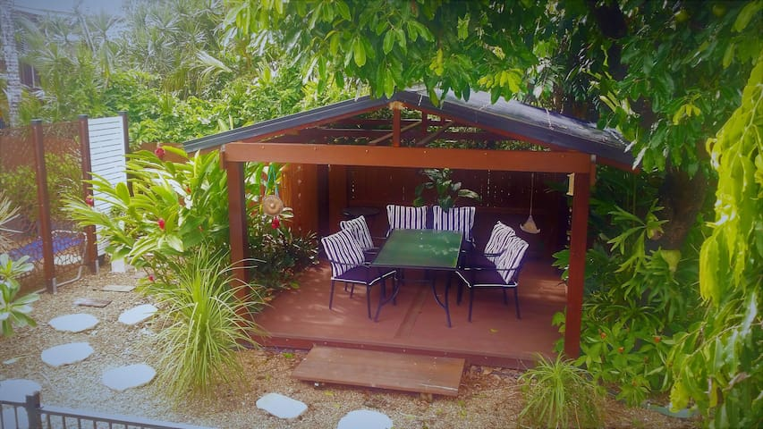 Miner's Cottage 2.5km from Cairns CBD (Queen Bed) - Bungalow - Pousada