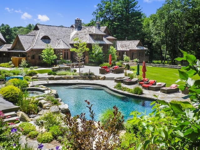 Luxury Country Estate 45 miles from Manhattan