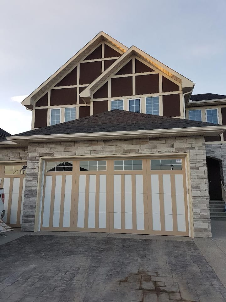 New Chestermere Home