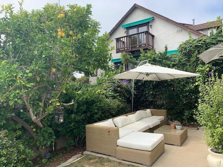 Quiet studio apartment the heart of Laguna Beach