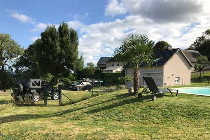 Maison-Gîte avec piscine en Corrèze près de Brive