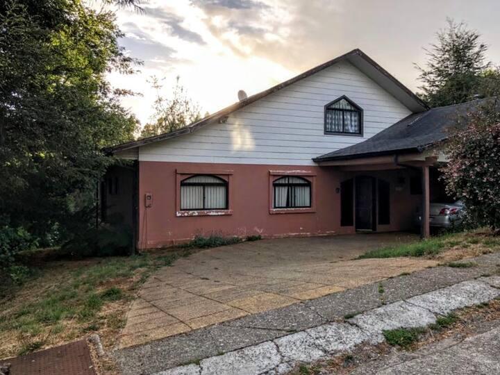 Hermosa y acogedora casa en Bosque Nativo