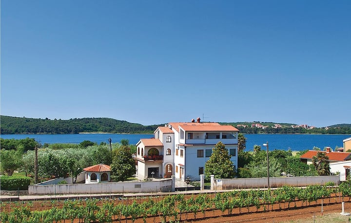Awesome home in Pula with 2 Bedrooms