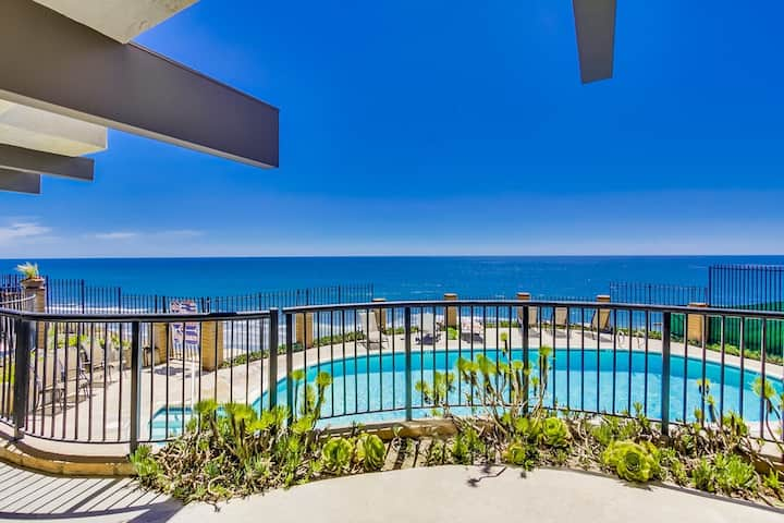 Discounted long-term Stays! Ocean View Beach Condo