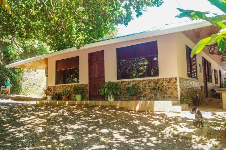 Casa Tucan Habitación Baño con partido 3