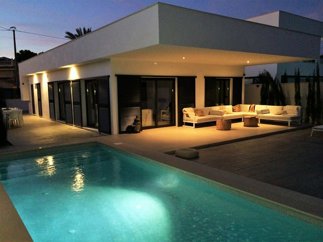Modern design villa with private pool in Albir - l'Alfàs del Pi - Huvila