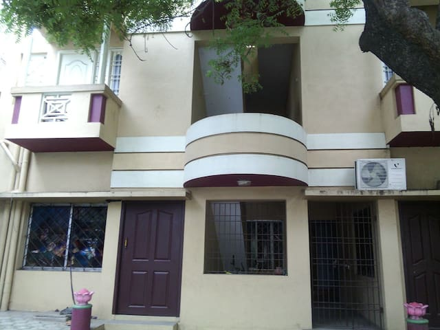 Mezzanine Family&Friendly Homestay - Chennai - Hus
