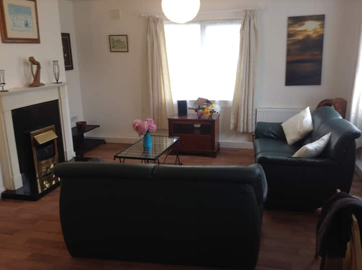 Large, Spacious 2 bed apartment Gort Road, Ennis,