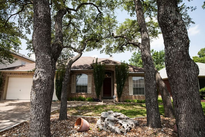 Beautiful NxNW Austin Home with all the amenities! - Cedar Park - Hus