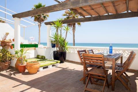 Flat beachview terrace,WiFi,TV