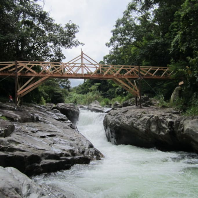 this the bridge that you cross to get to the cabin