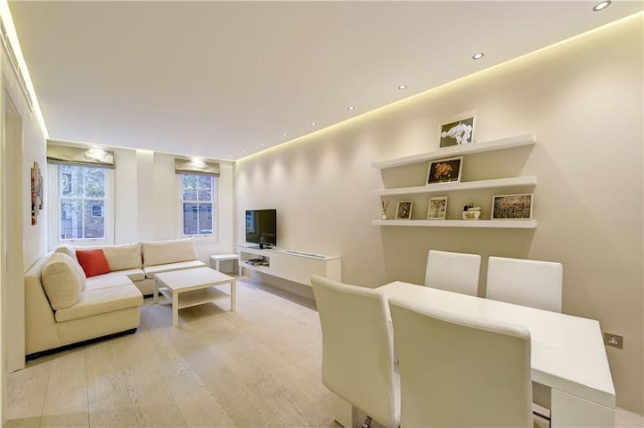 Stunning Flat in Heart of Knightsbridge with A/C !