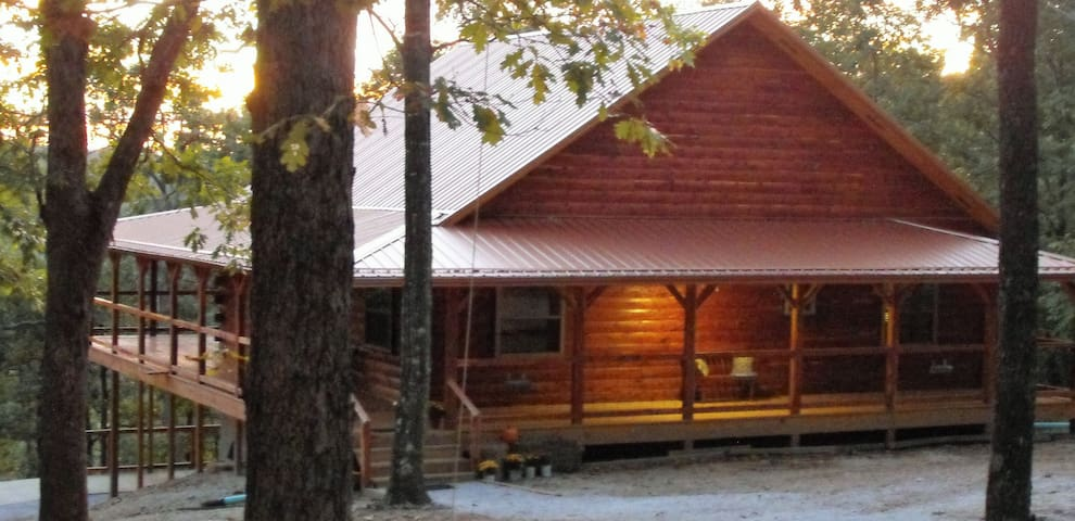 Deer Lodge Cabin Rentals, Whiskey Hollow Cabin - Jasper