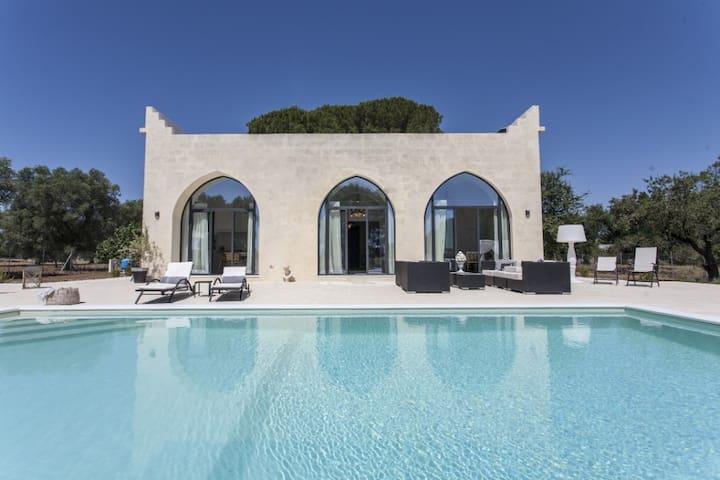 Interior designed Mini Castle with pool in Puglia