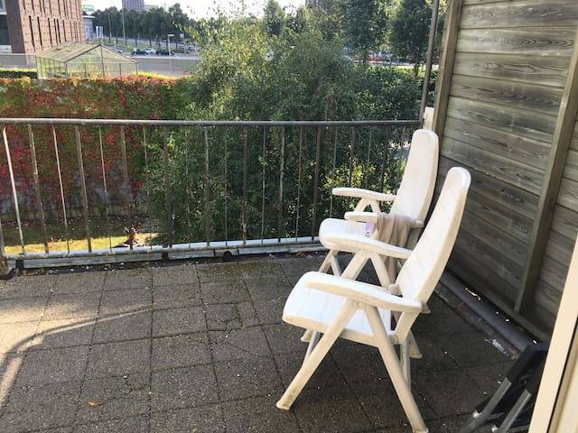 Large room with balcony - Groningen - Apartment
